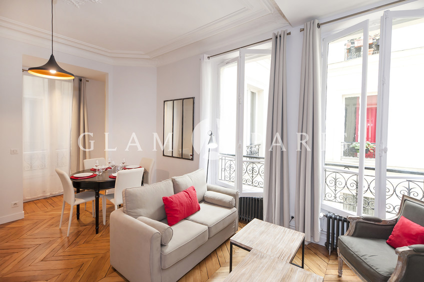 Apartment Near The Louvre With Disabled Access Property Details